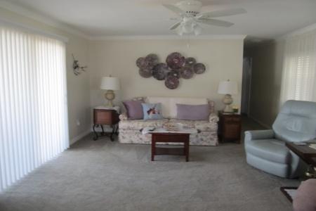 37502 Martindale Avenue, Livingroom